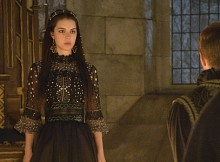 "Reign -- ""The Plague"" -- Image Number: RE201a_0011.jpg -- Pictured: Adelaide Kane as Mary, Queen of Scotland and France -- Photo: Ben Mark Holzberg/The CW -- © 2014 The CW Network, LLC. All rights reserved."