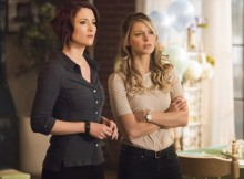 """Supergirl -- """"Far From The Tree"""" -- SPG303a_0014.jpg -- Pictured (L-R): Chyler Leigh as Alex Danvers and Melissa Benoist as Kara/Supergirl -- Photo: Dean Buscher/The CW -- © 2017 The CW Network, LLC. All Rights Reserved"""